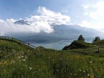 Μπλε λίμνη βουνών, γαλλικά alpes στοκ φωτογραφία με δικαίωμα ελεύθερης χρήσης