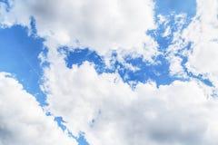 μπλε λευκό ουρανού σύννεφων 1 ανασκόπηση καλύπτει το νεφελώδη ουρανό Στοκ Εικόνα