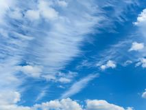 μπλε λευκό ουρανού σύννεφων Στοκ φωτογραφίες με δικαίωμα ελεύθερης χρήσης