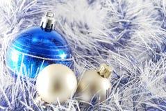 μπλε λευκό σφαιρών Στοκ Φωτογραφίες