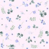 Μπλε λουλούδια στο ρόδινο floral σχέδιο του BG στοκ φωτογραφίες