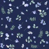 Μπλε λουλούδια στο σκοτεινό floral σχέδιο του BG στοκ φωτογραφία με δικαίωμα ελεύθερης χρήσης
