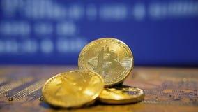 Μπλε μέτωπο κυλίνδρων πηγής κυκλωμάτων Bitcoin απόθεμα βίντεο