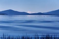 Μπλε μακρινός κυματισμού Στοκ Εικόνα