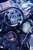 μπλε μηχανή αυτοκινήτων που τονίζεται Στοκ Φωτογραφίες