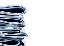 Μπλε μονοχρωματικός σωρός επιχειρήσεων, των νομικών ή ασφαλιστικών εγγράφων Στοκ εικόνα με δικαίωμα ελεύθερης χρήσης