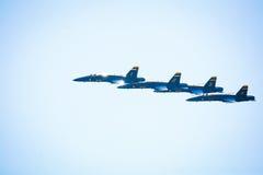 μπλε ναυτικό αεριωθούμενων αεροπλάνων αγγέλου Στοκ εικόνα με δικαίωμα ελεύθερης χρήσης