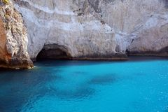 Μπλε νερό και σπηλιές της Ζάκυνθου Στοκ Εικόνες
