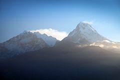 Μπλε ορίζοντας Annapurna 1 Ι και νότος Annapurna Στοκ Εικόνες