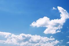 μπλε ουρανός ημέρας ηλιόλουστος Στοκ Εικόνες