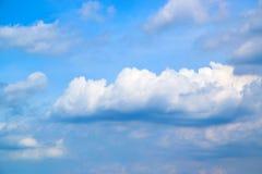 Μπλε ουρανός και άσπρα σύννεφα 171015 0062 Στοκ Φωτογραφία