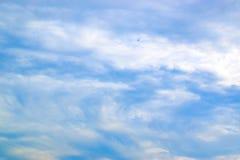 Μπλε ουρανός και άσπρα σύννεφα 171016 0081 Στοκ εικόνες με δικαίωμα ελεύθερης χρήσης