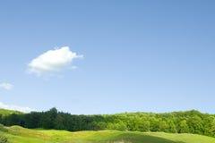 μπλε ουρανός λόφων επαρχί&al Στοκ Φωτογραφία