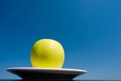 μπλε ουρανός μήλων Στοκ φωτογραφία με δικαίωμα ελεύθερης χρήσης
