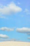 μπλε ουρανός παραλιών ανασκόπησης Στοκ εικόνα με δικαίωμα ελεύθερης χρήσης