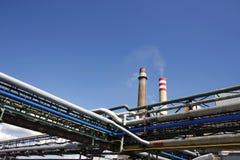 μπλε ουρανός σωλήνων καπνοδόχων Στοκ εικόνα με δικαίωμα ελεύθερης χρήσης