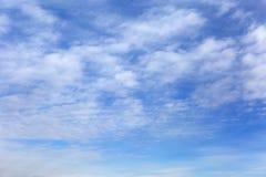 μπλε ουρανός σύννεφων Όμορφος ουρανός Στοκ Φωτογραφίες