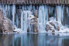 Μπλε πάγος αγωγών ύδατος Στοκ φωτογραφίες με δικαίωμα ελεύθερης χρήσης