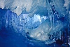 μπλε πάγος σπηλιών στοκ εικόνα με δικαίωμα ελεύθερης χρήσης