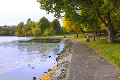 μπλε πάρκο λιμνών Στοκ φωτογραφίες με δικαίωμα ελεύθερης χρήσης