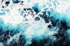 Μπλε παγωμένο τοπίο φυσαλίδων κυμάτων στα σκοτεινά χρώματα Στοκ φωτογραφία με δικαίωμα ελεύθερης χρήσης