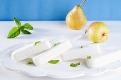 Μπλε παγωτό Popsicles τυρί-αχλαδιών στοκ φωτογραφία με δικαίωμα ελεύθερης χρήσης