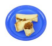 μπλε πιάτο burritos Στοκ Φωτογραφίες