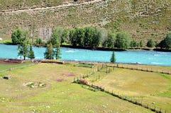 μπλε ποταμός στοκ εικόνα με δικαίωμα ελεύθερης χρήσης