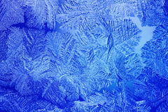 Μπλε πρότυπα πάγου που γίνονται από τον παγετό Στοκ Φωτογραφία