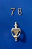 μπλε πόρτα Στοκ Φωτογραφίες