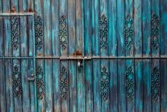 μπλε πύλη σκουριασμένη Στοκ Φωτογραφίες
