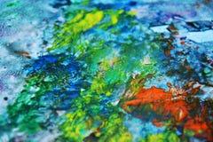 Μπλε ρόδινο πράσινο κίτρινο πορτοκαλί ρόδινο υπόβαθρο σημείων ζωγραφικής, ζωηρόχρωμο αφηρημένο υπόβαθρο watercolor Στοκ Φωτογραφία