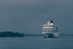 Μπλε σκάφος της γραμμής κρουαζιέρας Στοκ Εικόνα