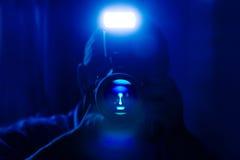 μπλε σκοτεινό πορτρέτο μόν&o Στοκ φωτογραφία με δικαίωμα ελεύθερης χρήσης