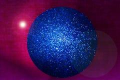 μπλε σφαίρα Χριστουγέννω&n Στοκ Εικόνες