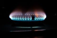 μπλε σόμπα αερίου φλογών &kap Στοκ Εικόνες