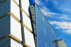 μπλε σύγχρονος ουρανοξύ Στοκ φωτογραφίες με δικαίωμα ελεύθερης χρήσης