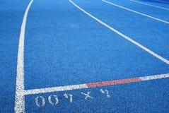 μπλε τρέχοντας διαδρομή Στοκ εικόνα με δικαίωμα ελεύθερης χρήσης