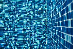 Μπλε υπόβαθρο κεραμιδιών πισινών στοκ εικόνα