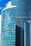 μπλε υψηλοί ουρανοξύστες στοκ εικόνες