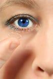 μπλε φακός ματιών επαφών στοκ εικόνες