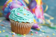 μπλε φλυτζάνι κέικ Στοκ Φωτογραφίες