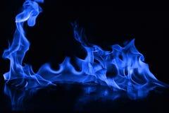 Μπλε φλόγες της πυρκαγιάς ως περίληψη backgorund Στοκ Φωτογραφία