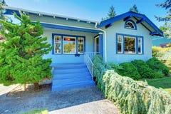 μπλε χαριτωμένος παλαιός μικρός σπιτιών Στοκ Εικόνες