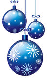 μπλε Χριστούγεννα σφαιρώ&nu Στοκ εικόνα με δικαίωμα ελεύθερης χρήσης