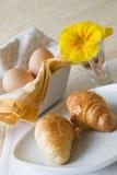 μπλε croissant ανασκόπησης στοκ φωτογραφία