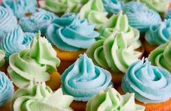 μπλε cupcakes πράσινα Στοκ φωτογραφίες με δικαίωμα ελεύθερης χρήσης