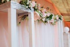 μπλε garter λουλουδιών λεπτομερειών γάμος δαντελλών Στοκ Φωτογραφίες