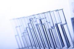 μπλε labolatory φιαλίδια Στοκ φωτογραφία με δικαίωμα ελεύθερης χρήσης