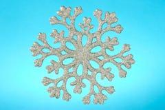 μπλε snowflake ανασκόπησης Στοκ φωτογραφία με δικαίωμα ελεύθερης χρήσης
